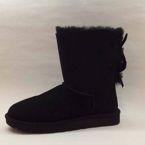 Women's Bailey Bow ll UGGs Black NWT Price Firm